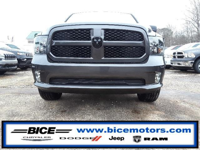 New 2018 RAM 1500 Express 4x2 Quad Cab 6'4 Box