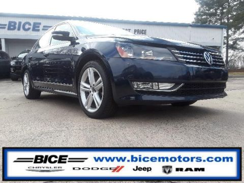 Pre-Owned 2015 Volkswagen Passat 4dr Sdn 1.8T Auto SE w/Sunroof & Na